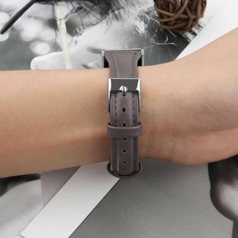 Fitbit charge 2 bandje leer grijs - Onlinebandjes.nl